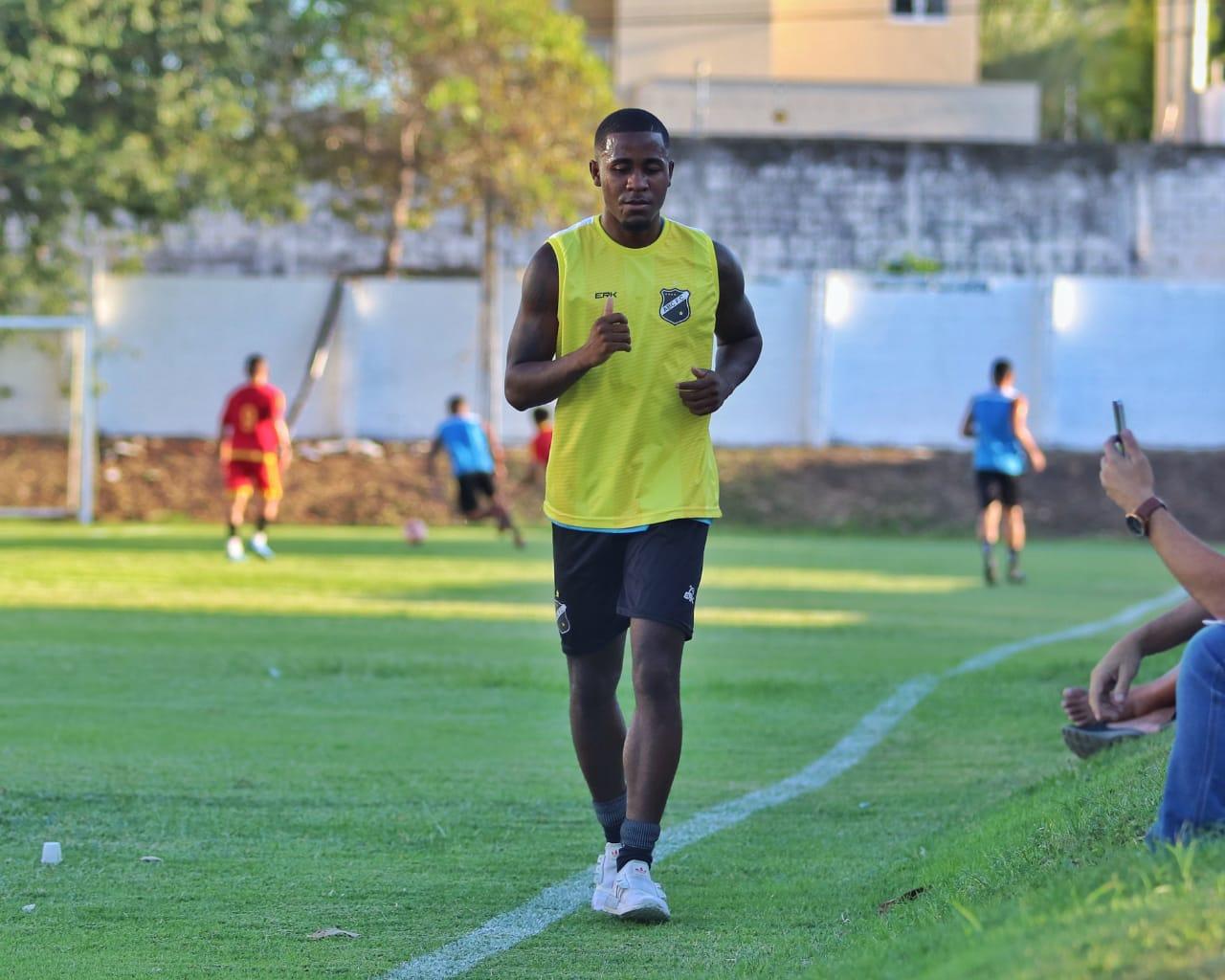 Meia João Paulo é novo reforço do Mais Querido - ABC FC